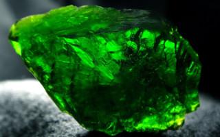 Хромдиопсид — драгоценный сибирский изумруд