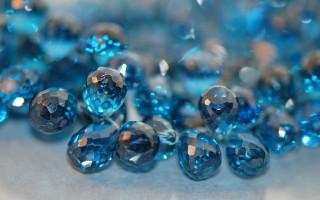 Голубой топаз — камень для лидеров и семейных людей