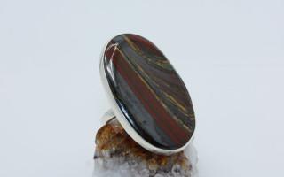 Джеспилит — полосатый камень, или железная руда