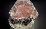Морганит (воробьевит) — камень нежного розового цвета