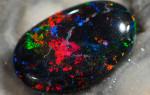 Черный опал — камень с темной энергетикой, так ли это?