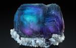Флюорит — камень, который светится