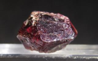 Циркон: камень-имитация или полноценный талисман?