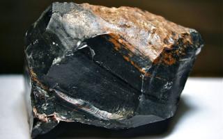 Обсидиан — камень, рожденный вулканами