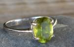 Хризолит — камень цвета золота, или золотой изумруд