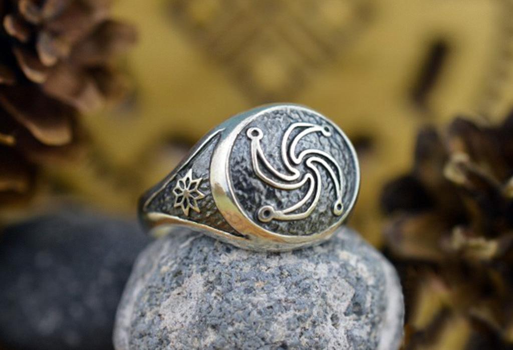 Кольцо с Символом Рода
