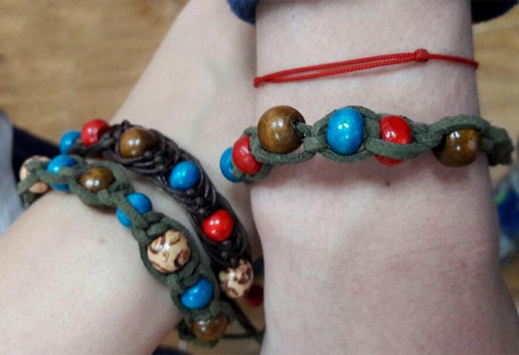 Shambala_brasletik-1024x700 Браслет шамбала: значение и соответствие цвета бусин буддийского амулета, на какой руке носить украшение