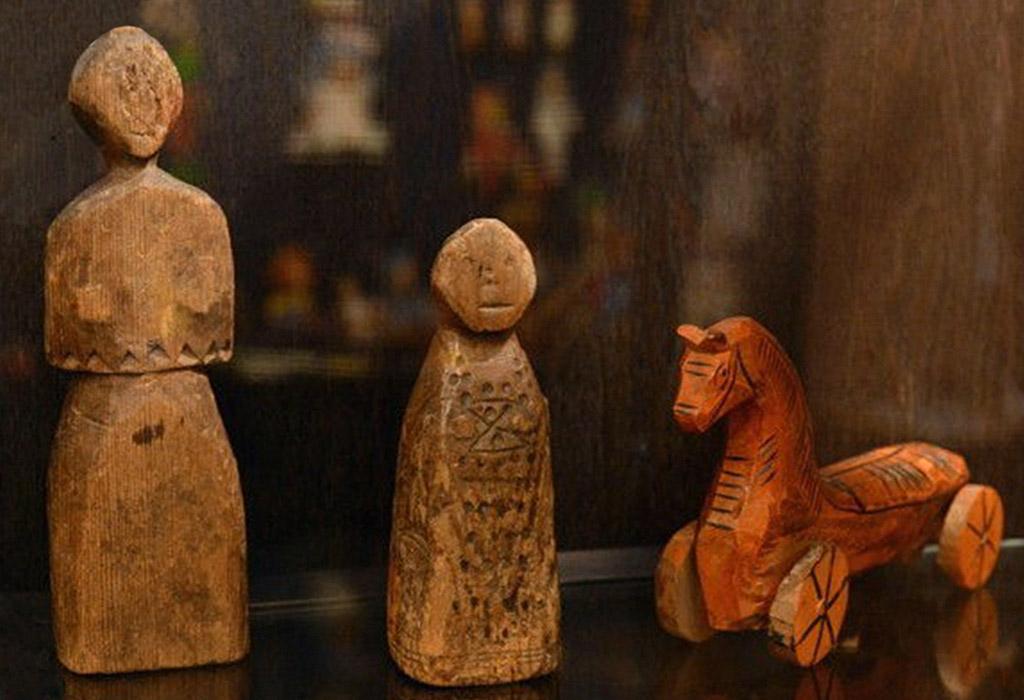 Детские игровые куклы славян из дерева.