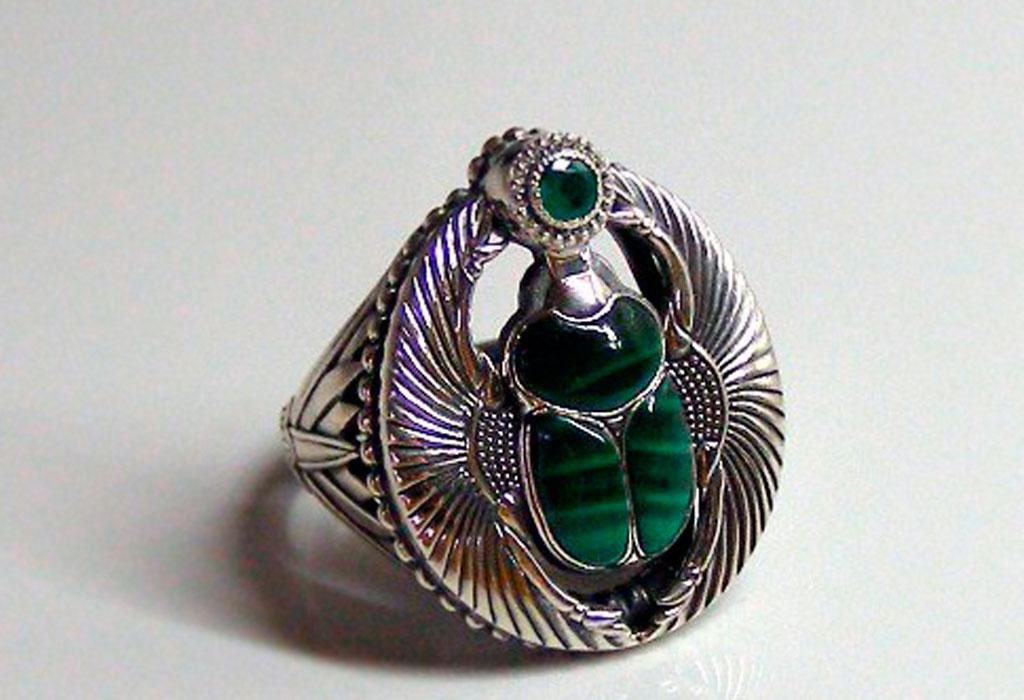 Кольцо с жуком скарабеем