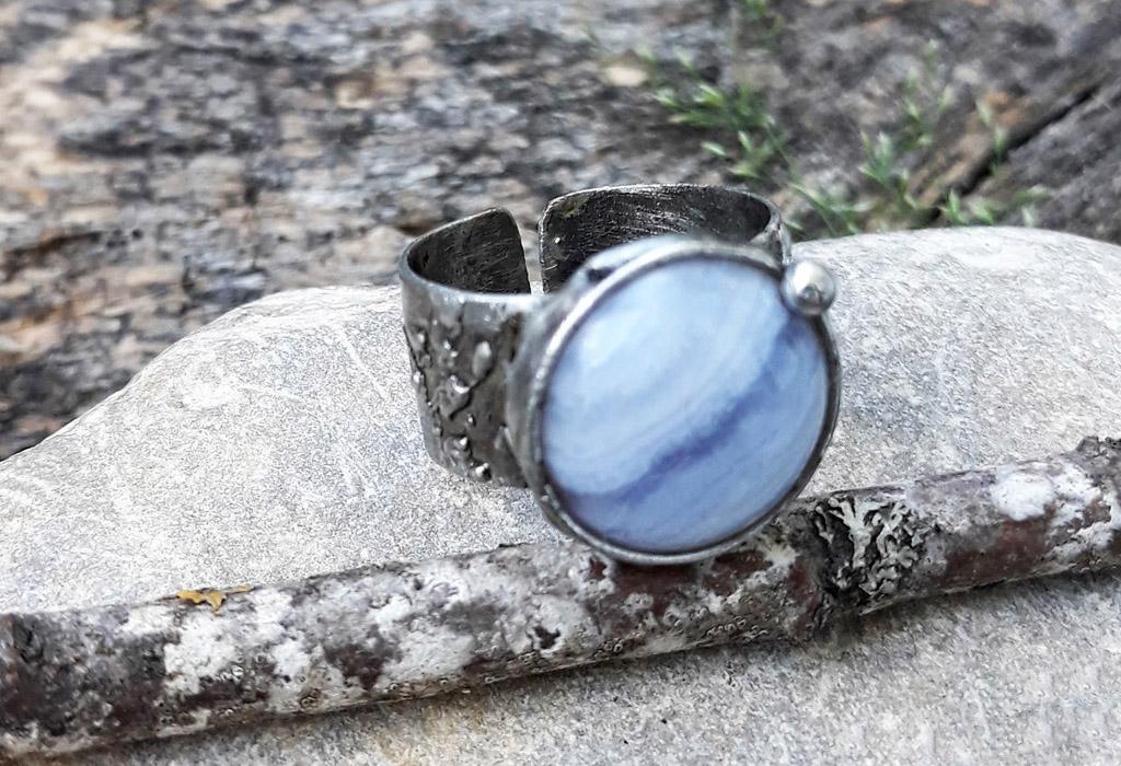 Кольцо с голубым агатом