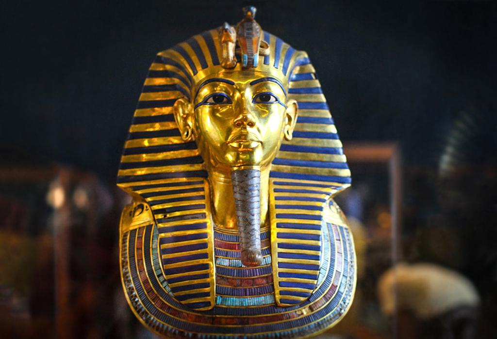 Погребальная маска фараона Тутанхамона
