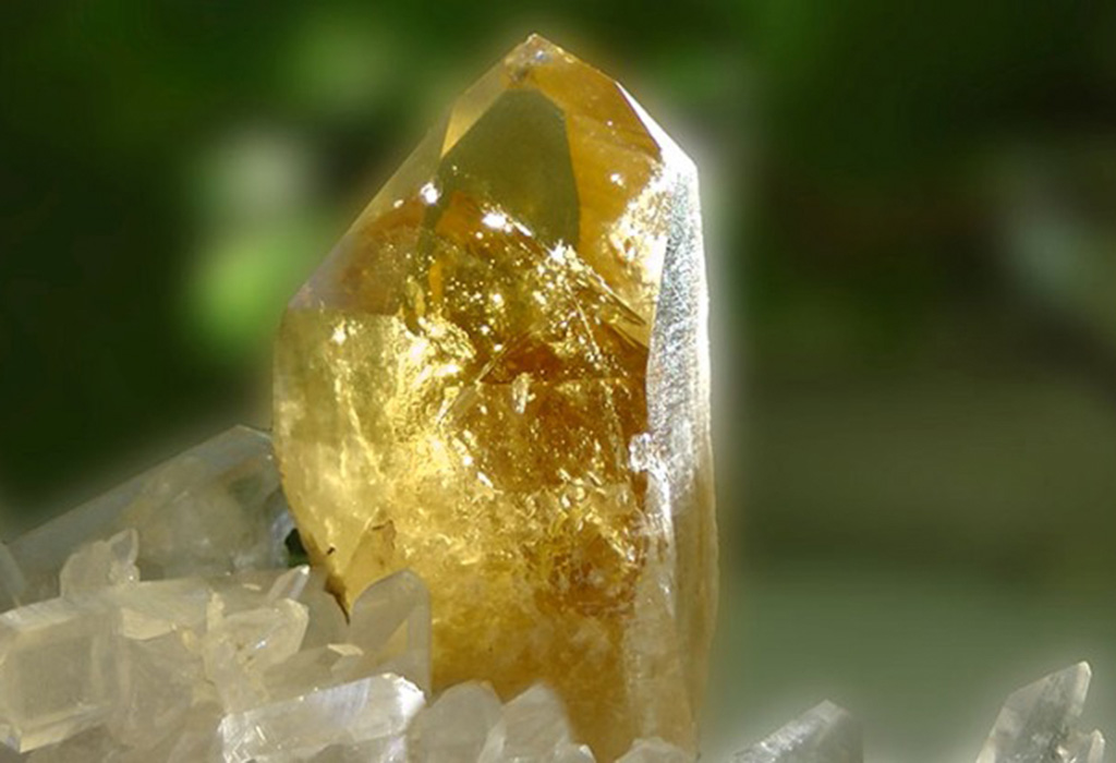 Камень цитрин: свойства, значение и кому подходит по зодиаку